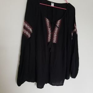 Old navy bohemian style embroidered black large